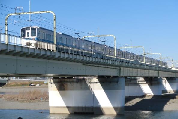 小田急線多摩川橋梁建替え工事の写真